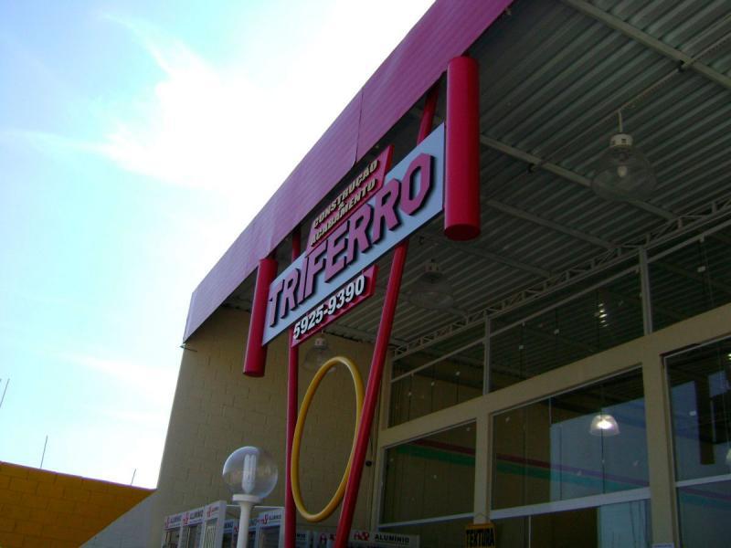 Fábrica de fachadas de lojas